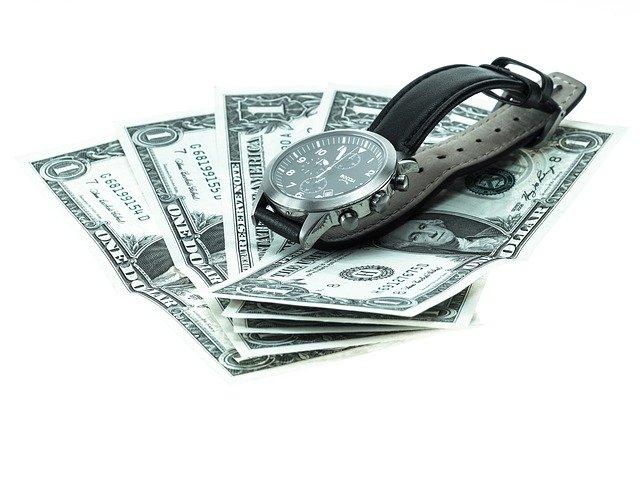 hodinky a peníze